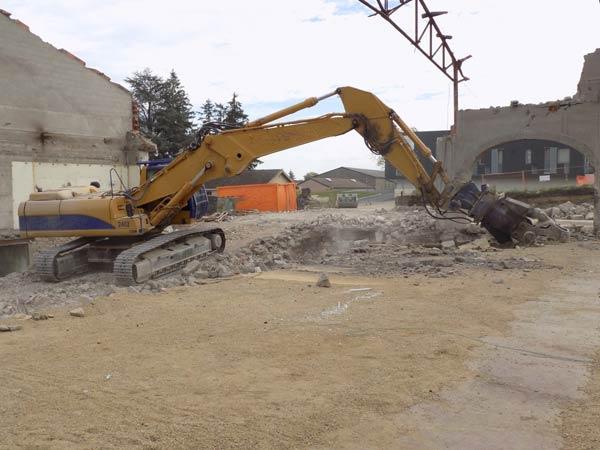 Demolizioni-speciali-grandi-edifici-Senigallia
