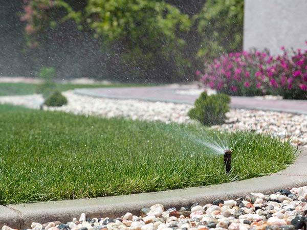 Installazione-sistemi-irrigare-giardini-Cesena